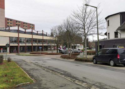FeWo-Harz-Altenau_Parkplatz-Shops